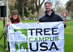 IMage of OTE Heritage Tree Program event held at Oregon State University