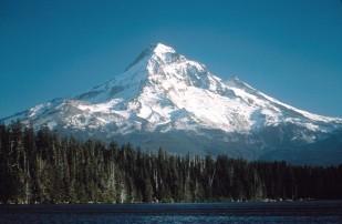 Image of Mt Hood, open source, Wikipedia