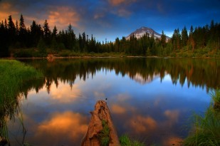 Sunset Mt Hood and Mirror Lake in The Mt Hood National Forest Or