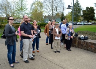 Oregon Travel Experience Heritage Tree 2015 dedication guests
