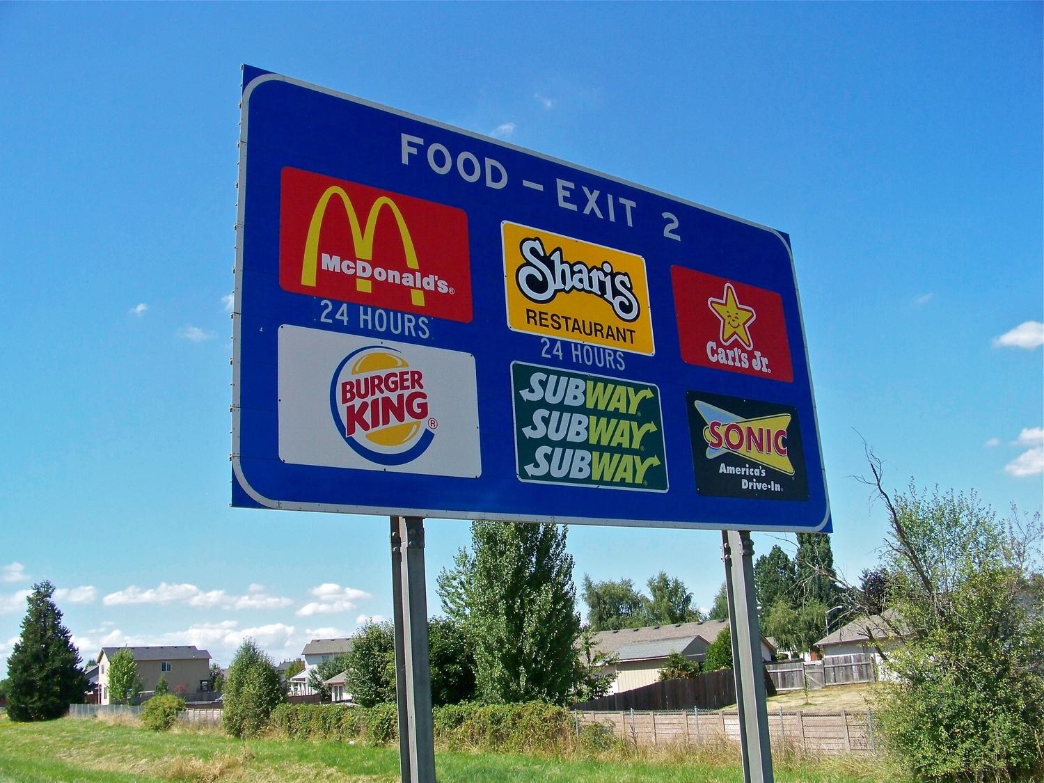 Highway Business Signs - Oregon Travel Experience